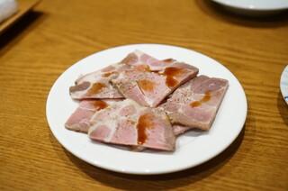 蔡菜食堂 - 山東省肩ロースの焼豚