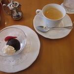 35296634 - デザートとコーヒー