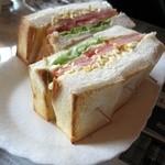 緑の館 - トーストサンド