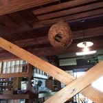 茶房 古久家 - お掃除の行き届い食べ店内。  気持ちいい時間を過ごせます。