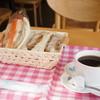 Koubesandowicchikoubou - 料理写真:タルタルフィッシュサンドと三元豚のヒレカツサンド、ホットコーヒーのモーニングです、945円也