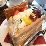 パティスリー シュクレ - 栗とキャラメルのケーキ