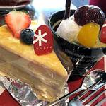 パティスリー シュクレ - 西尾抹茶のパフェ と ミルフィーユ
