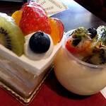 パティスリー シュクレ - フルーツのショートケーキ と プリンアラモード