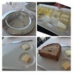 35304062 - バターは2種類用意されています。この「カンパーニュ」美味しい