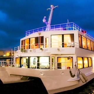 70隻以上の豊富な船舶数!クルーザーやパーティ船、屋形船も。