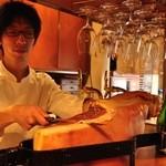 ビストロ・アヴリル - 自家製の12ヶ月熟成生ハム。オーダーを頂いてから切り分けます。¥900
