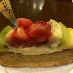 パティスリージュン - 料理写真:2014/9/7  甘さ控えめフルーツたっぷりで大満足‼︎