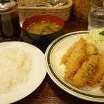 かつれつ四谷たけだ - カキフライ定食(1200円)