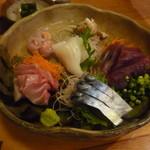 寿司勝 - 刺身盛り合わせ サバとトロ、いか、カワハギ肝包み、かつお