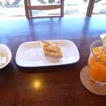 35319892 - パンと杏のネクター