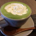 35320846 - 新名物 抹茶ラテ(クリーム入り)濃厚ですがくどくなくて美味しい!