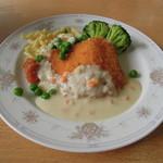 スカイレストラン - 料理写真:サーモン(?)のフライ & 西洋わさびのクリームソース