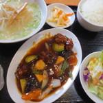 錦城 - 酢豚定食(ラーメン付き)