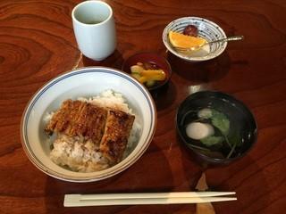 鍋茶屋 - うな丼(1,000円)
