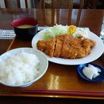 鳥久 - 料理写真:ジャンボチキンカツ定食(680円)