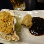 35341898 - 「三陸産大粒カキの二種盛り料理(ハーフ500円)」
