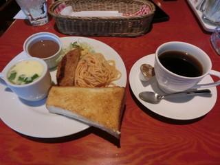 スピーチバルーン - モーニングサービス※飲みものの値段で(ブレンドコーヒー\410)