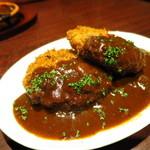 大衆肉バルKamiichi 上大岡 - 肉バルのメンチカツ(自家製デミグラスソース)590円