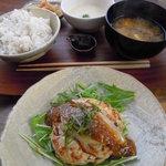 3535385 - 豆腐ハンバーグ定食 Photo By PEPOPA