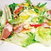 デラックス・デリ - 料理写真:【レタス・コーン】等の素材も充実のサラダコーナー