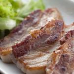 ブランド豚のステーキ3種盛り合わせ