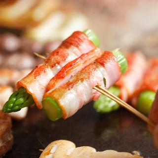 ヘルシーなオリーブオイルで焼く串焼き・ブランド豚は絶品!