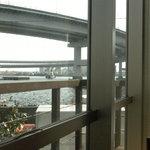 湾岸食堂 - 店内から見たレインボウブリッジ