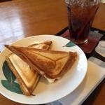 カフェ山小や - ハムチーズとーすと  おいし(^^)