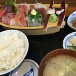 大漁 やまちゃん - 料理写真:舟盛り定食並