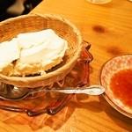 酒饌亭 灘菊 - 酒蔵自家製 名物ざる越し豆腐