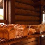 パン工房 麦花壇 - 食パンなど。