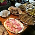 きこ - カウンター越しの惣菜