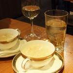 遙華 - カニ入りフカヒレスープ・金のぶどうハイボール+白ワイン