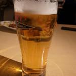 35367285 - ビールで乾杯です