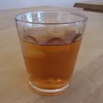35367362 - 飲み物は冷たいお茶です
