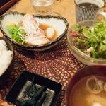 ゴリラ食堂 - 自家製やわらか角煮定食:850円