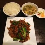 上海モダン - ニラレヴァ炒めの定食❤