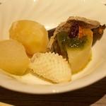 オリジナル洋風鍋 マルミット - 下ごしらえが丁寧な食材たちは、温めたらすぐ食べられます