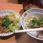 えき亭 - ヤキソバ牛丼セット(600円)