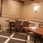 菱冨 - テーブル席