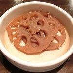 とん豚テジ - しょうが焼き定食 500円 のレンコンの煮物