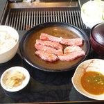 焼肉松坂 - オリーブ牛焼肉ランチ 900円(税込970円)