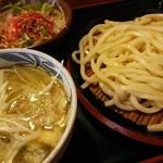 久兵衛屋 - 料理写真:塩肉汁うどん+大根サラダ