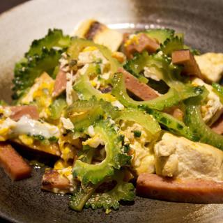 創作沖縄料理の数々