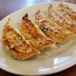 悟空 - 料理写真:特製肉餃子。旨さの違いが分かります