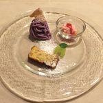 フィノッキオ - 苺のセミフレッド、紫芋のモンテビアンコ、リコッタチーズとヘーゼルナッツのトルタ