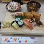 濱 - 料理写真:寿司定食 860円