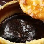 Bistro ichi - 料理写真:葡萄牛の赤ワイン煮込み パイ包み焼き