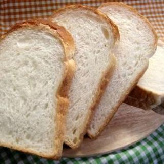 パン工房で素材にこだわり、手作りで焼き上げたパンです☆